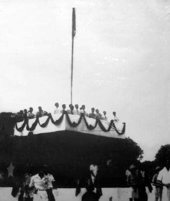 Le tuyen bo thanh lap Nuoc Viet Nam Dan Chu Cong Hoa tai Quang truong Ba Dinh Ha Noi ngay 2 thang 9 nam 1945